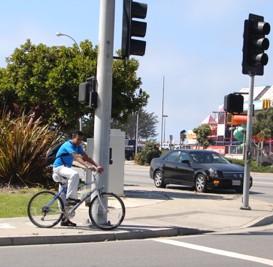Bikers - Seaside guy at light