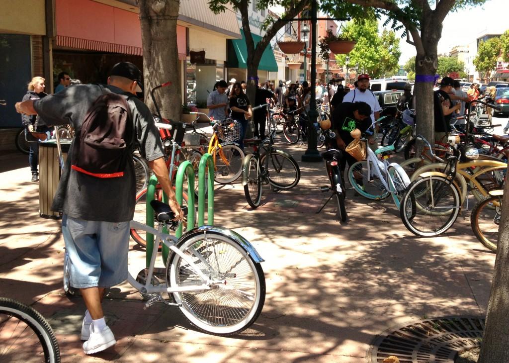 Burrito Ride 5-19-13 Salinas - gathering