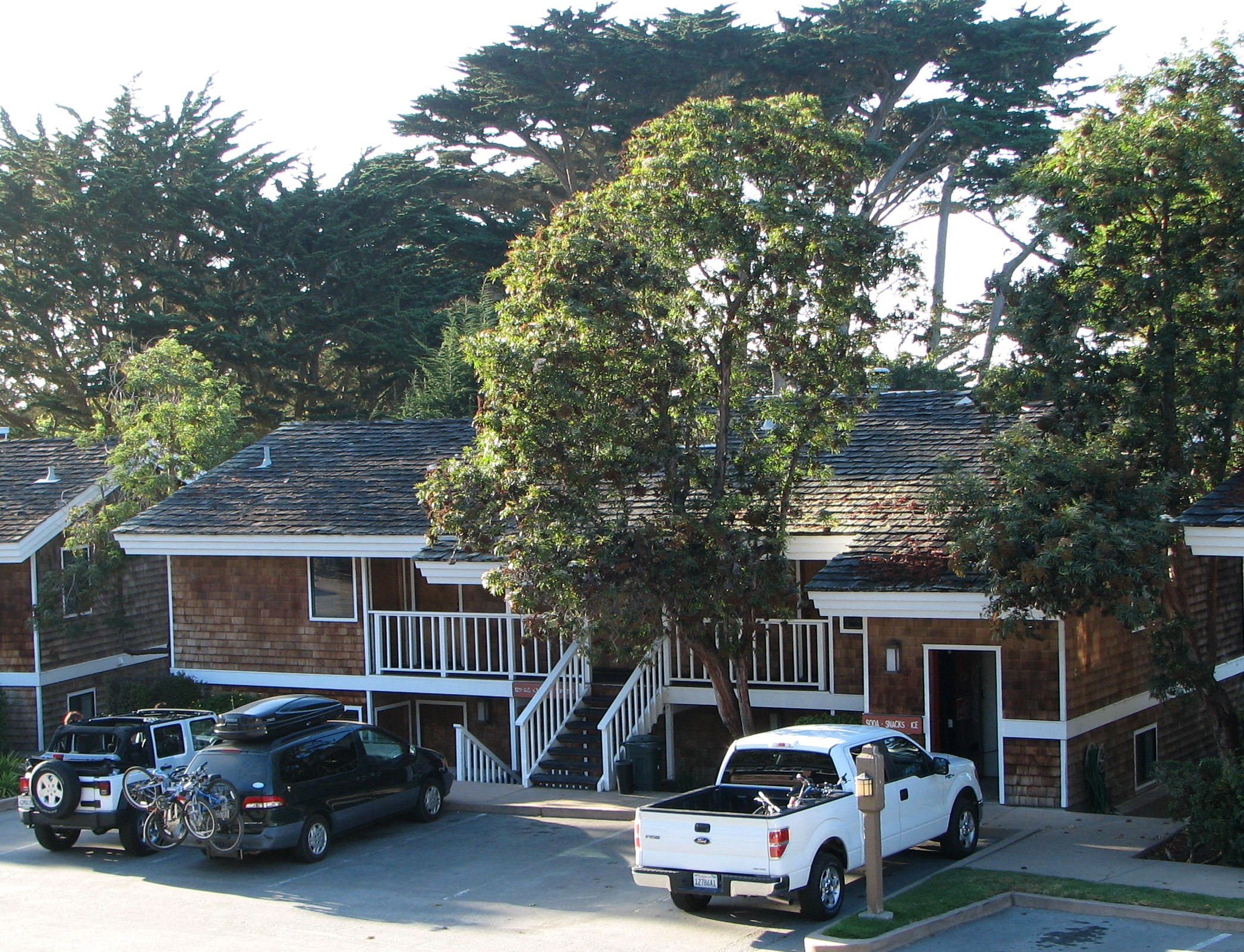 Awe Inspiring More Bike Friendly Lodging In Monterey County Bicycling Download Free Architecture Designs Scobabritishbridgeorg
