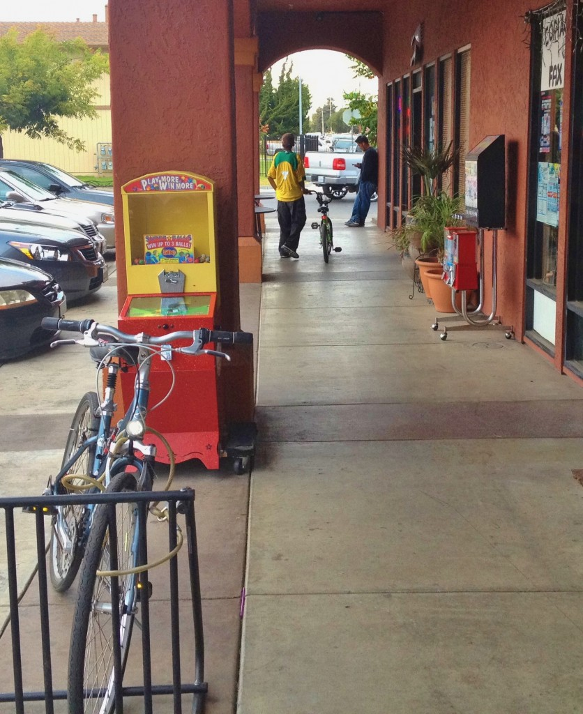 Bike parking very closeby at Taqueria La Arrolladora - Del Monte and Sanborn