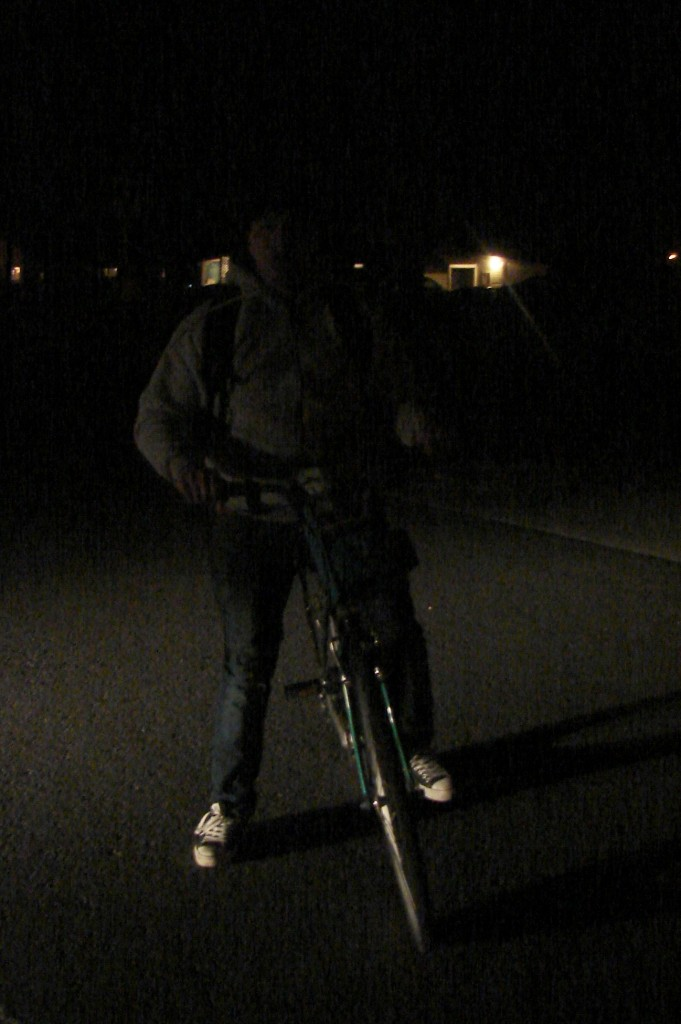 Teen bike commuting from night shift & has no lights (2)